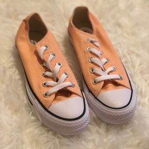 Converse Chuck Taylor Sunset Glow Low Top Size 5.5